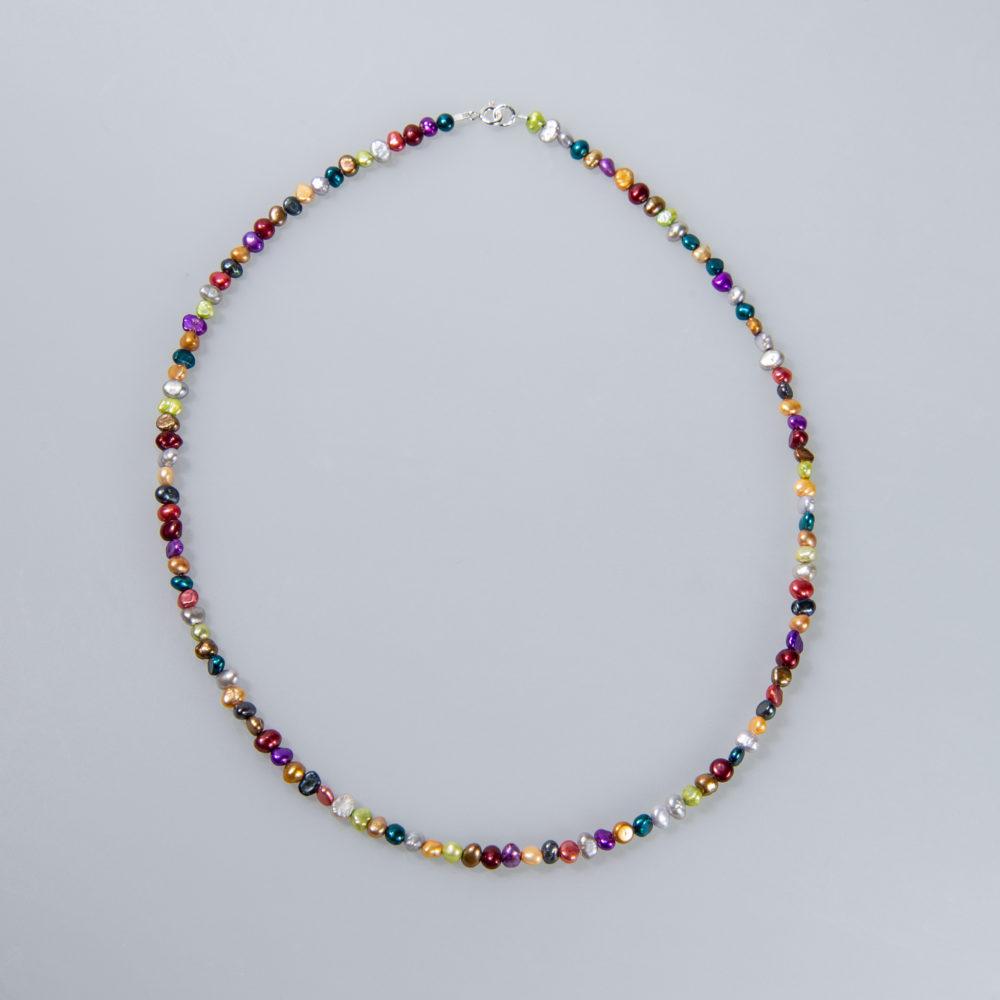 Perlenkette, flat, koloriert, Stahldraht ummantelt, 42 + 45cm, Silberschließe